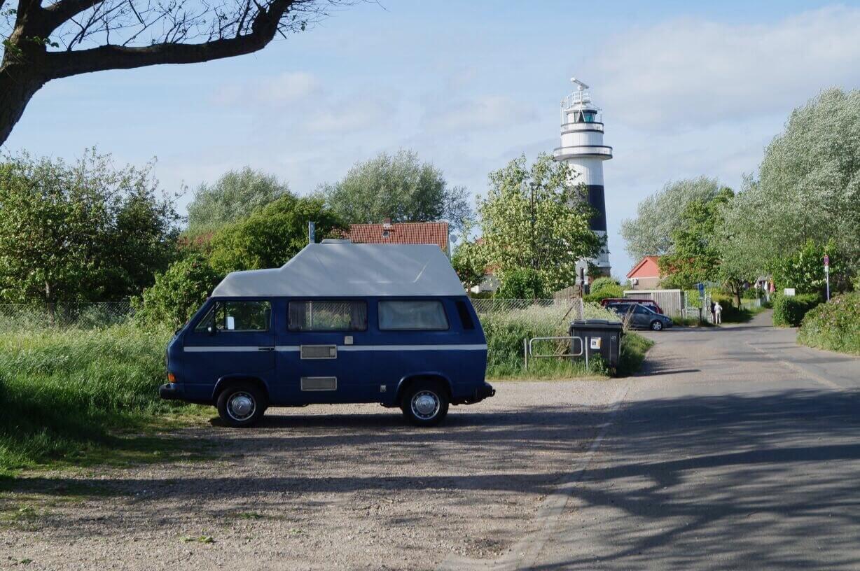 VW Bus T3 Tante Polly Hochdach blau Camper Bulli mieten Rostock bincampen Urlaub im Campervan Freiheit Leuchtturm Skandinavien Dänemark