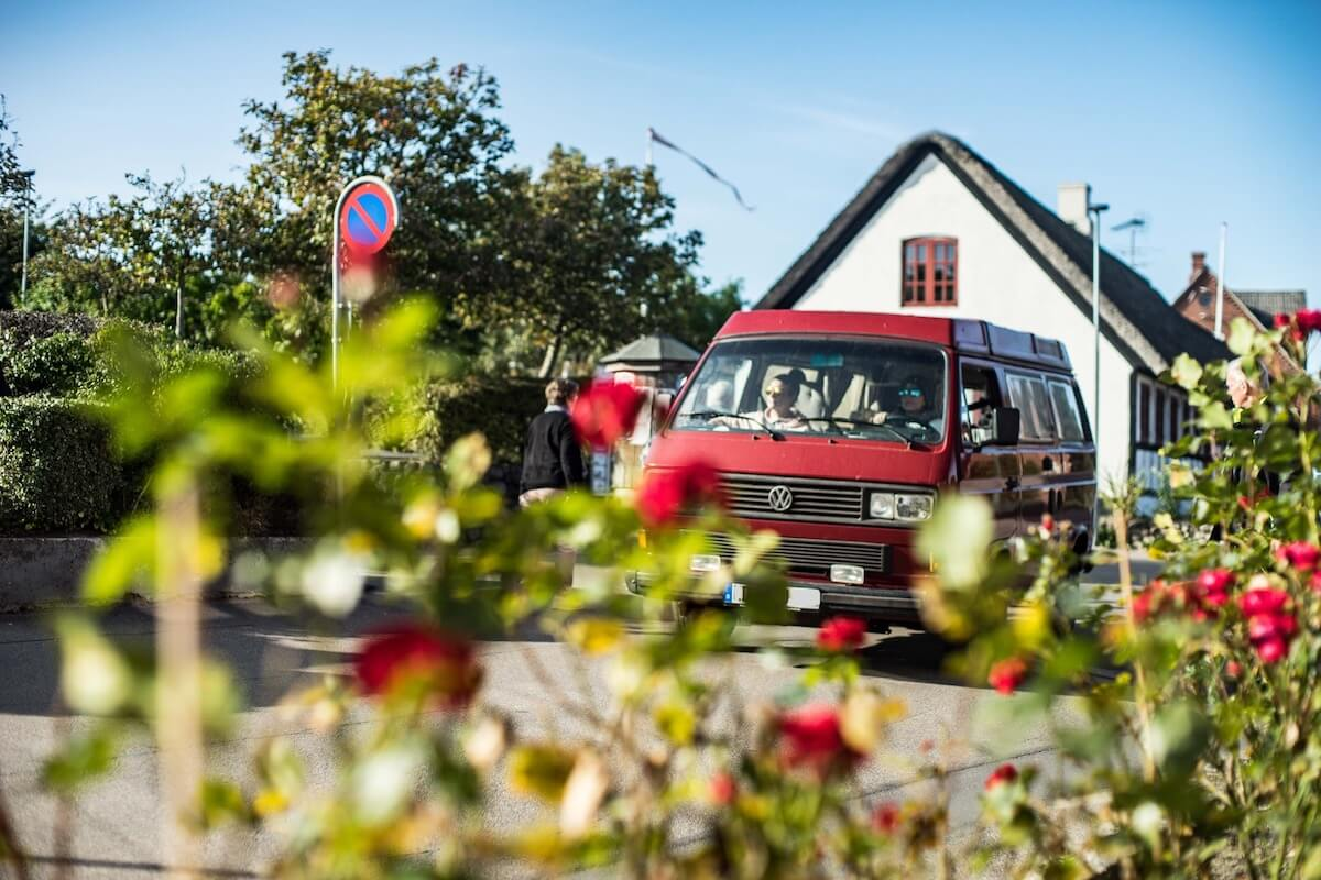VW Bus T3 Wilma Westfalia Joker Klappdach rot Camper Bulli mieten Rostock bincampen Dänemark